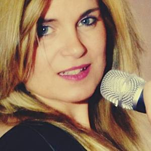 Carmen Nikol | Contacto de Entrevisttas.com