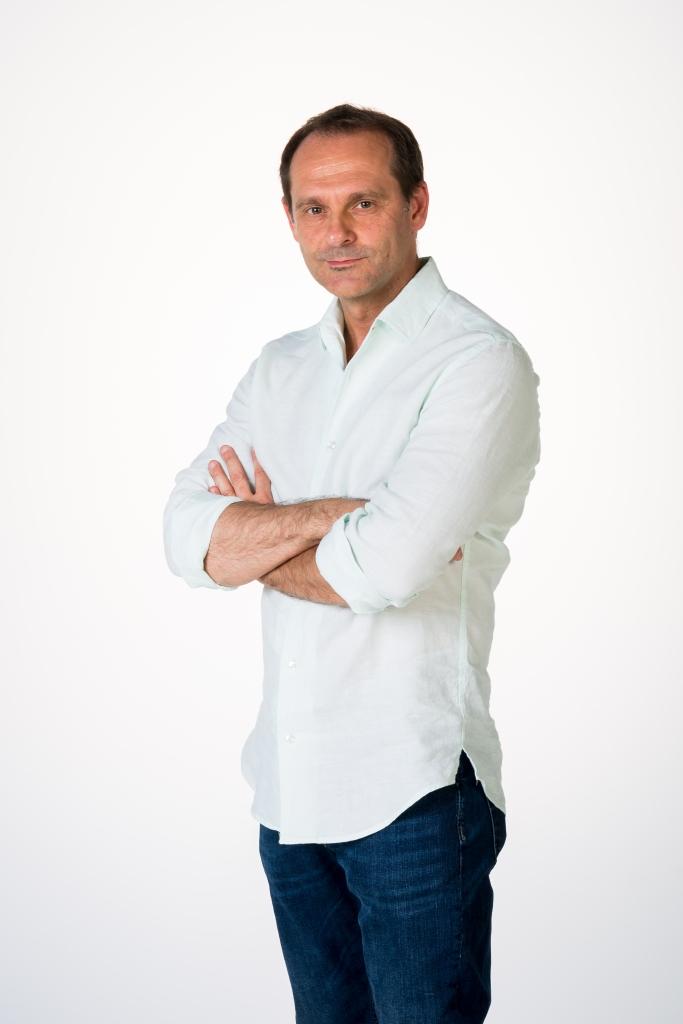 Sebastián Roa | Escritor. Entrevista realizada por Carmen Nikol en www.entrevisttas.com