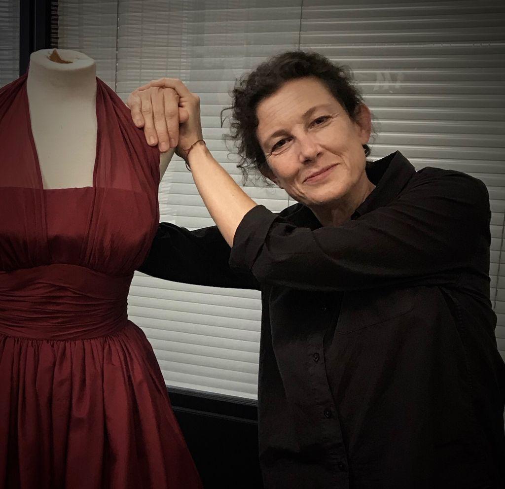 Helena Sanchís Mira, diseñadora de vestuario en teatro, cine y televisión. Entrevista realizada por Carmen Nikol en www.entrevisttas.com