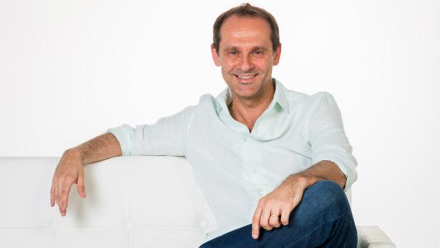 Entrevista realizada a Sebastián Roa: novelista e Inspector de Policía. Por Carmen Nikol, en www.entrevisttas.com