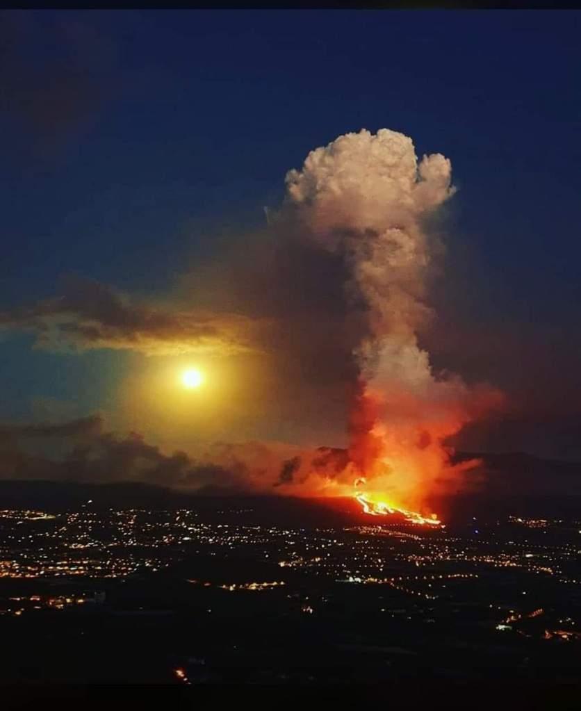 Imagen de la erupción en Cumbre Vieja de La Palma